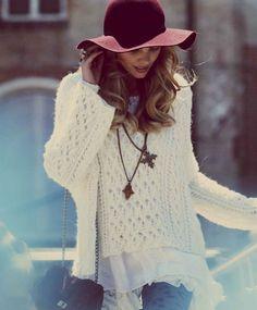 LoLoBu - Women look, Fashion and Style Ideas and Inspiration, Dress and Skirt Look Moda Outfits, Cute Outfits, Look Boho Chic, Estilo Hippy, Moda Blog, Floppy Hats, Bohemian Mode, Boho Gypsy, Looks Street Style
