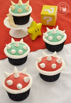 Super Mario Bros themed children's party – party ideas – ideas for mom Super Mario Cupcakes, Super Mario Party, Super Mario Bros, Mario Bros Kuchen, Mario Bros Cake, Mario Kart Cake, Bolo Do Mario, Bolo Super Mario, Mario Birthday Cake