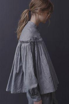 【ELLE SHOP】リネン高密度ストライプチンツ タックシャツグレー|サイ(Scye)|エル・ショップ