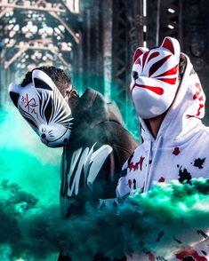 ✖️Howl For Totem✖️ —————————— Wolf of all streets 🐺 . Streetwear inspired by… Phone Screen Wallpaper, Iphone Wallpaper, Kitsune Mask, Violet Aesthetic, Japanese Mask, Song Lyrics Wallpaper, Me Anime, Mask Design, Dark Art