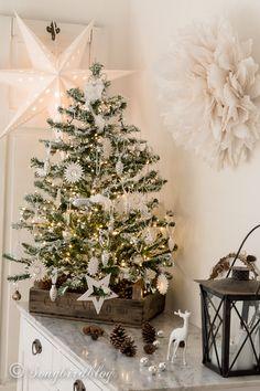 My DIY flocked Christmas tree on Songbird http://www.songbirdblog.com