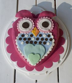 Owl cake made from heart shape