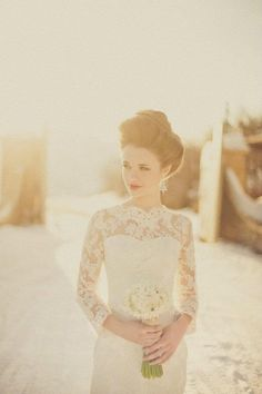 Vintage lace 3/4 sleeves sweetheart neckline wedding dress