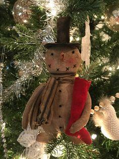 Christmas Crafts, Christmas Decorations, Christmas Ornaments, Holiday Decor, Christmas Ideas, Primitive Fall, Primitive Snowmen, Frosty The Snowmen, Build A Snowman