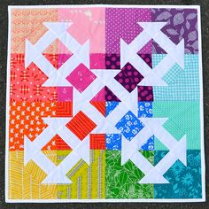 Candy Dash quilt pattern by Adrianne from On The Windy Side (New Zealand). Pattern in Make Modern magazine (2015)