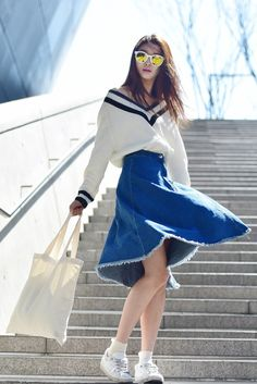 Street style: Bae Yoon Young shot by Baek Seung Won at Seoul Fashion Week Fall 2015