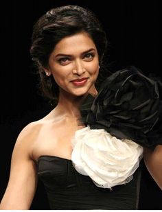 Deepika Padukone to get more hd and latest photo click here http://picchike.blogspot.com/