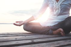 Meditation In Mindfulness-Based Stress Reduction Helps Patients Cope With Chronic Disease Sharon Salzberg, Mindfulness Based Stress Reduction, Detox, Coaching, High Intensity Workout, Mindfulness Practice, Yoga At Home, Adrenal Fatigue, Free Yoga