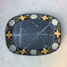blueberry modern - makoto kagoshima's ceramics Pottery Plates, Ceramic Plates, Ceramic Pottery, Pottery Designs, Pottery Ideas, Kagoshima, Miniature Figurines, Japanese Ceramics, Contemporary Ceramics