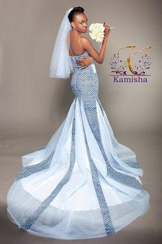 Toujours à l'affût de stylistes et de marques Pagnifik qui valent le détour, notre coup de coeur du moment que nous souhaitons partager est une créatrice congolaise: Kamisha. Styliste autodidacte, Kamisha est la créatrice de la marque éponyme Kamisha Mode. La styliste déborde de créativité et d'idées originales. C'est ainsi qu'elle travaille le pagne avec ... African Traditional Wedding, African Traditional Dresses, Traditional Wedding Dresses, African Fashion Dresses, African Dress, African Attire, African Style, Bridal Dresses, Wedding Gowns