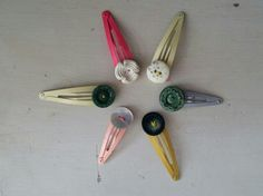 Vintage buttons clips