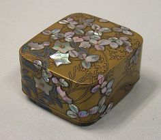 Box with Design of Bellflower and Bush Clover,Style of Ogata Kōrin (Japanese, Decorative Objects, Decorative Boxes, Japanese Screen, Maker Culture, Art Japonais, Asian, Japan Art, Jewel Box, Small Boxes