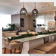 Hoje é sexta feira hora do almoço... E que tal uma mesa linda tamanho família?!Nesta proposta utilizamos duas mesas juntas de 2.20x1.10m e alternamos cadeiras com bancos o resultado ficou lindo e super moderno!  Mais um anglo do nosso ambiente @acstudio.arquitetura  na Mostra da Básica design.  Móveis da Básica Design e Luminarias da Illuminance.  #arquiteturadecoracao #admostra #adsala #acstudioarquitetura #olioliteam #basicadesign #illuminance http://ift.tt/1U7uuvq arqdecoracao…