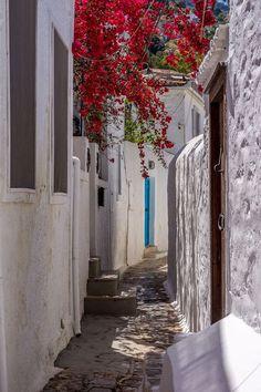 Alley in Hydra, Greece Wonderful Places, Beautiful Places, Places Around The World, Around The Worlds, Attica Greece, Places In Greece, Paradise On Earth, Greece Islands, Ancient Greece