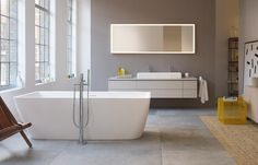 A beautiful bathroom is like a vacation. Immerse yourself into our wide range of ceramic, bathroom furniture and kitchen sinks. Discover now - Duravit! Western Bathroom Decor, Dark Green Bathrooms, Green Bathroom Accessories, Built In Bathtub, Modern Bathtub, Modern Bathrooms, Washbasin Design, Bathroom Gallery