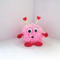 #pompom #love #valentinesdiy #valentinesgift #valentinesparty #valentinesparty #valentinesdecor #valentinesday #valentines #valentine #tity #party #partydecor #eventdesigner #eventdesign #eventplanning #eventplanner #pink #red #love #withlove #handmade #minimal #design #handamde #craft #diy #instavalentines #instadaily #instadiy #spain #zaragoza