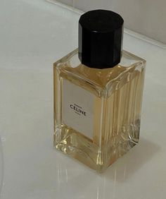 Fashion Gone rouge Classy Aesthetic, Brown Aesthetic, Aesthetic Photo, Aesthetic Pictures, Cream Aesthetic, Celine, Fashion Gone Rouge, Beauty Makeup, Perfume Bottles