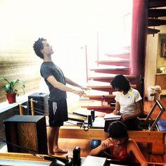 """@inspirahpilates's photo: """"""""Estoy encontrando respuestas"""" -@Jairandasolo en nuestro Pilates Teacher Training @Balanced_Body México, mientras @Lilu29 y Susana toman notas <3"""""""