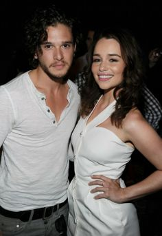 Kit Harington and Emilia Clarke- real life couple and Games of Thrones cast