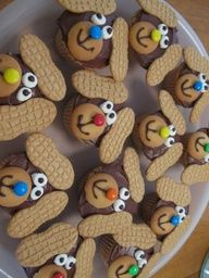 Puppy Dog Cupcakes....great for bake sale. how freaking cute!!!!