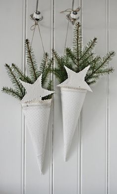 Christmas Decorations Decorating : White Christmas Cones with Sprigs of Greens… Natural Christmas, Scandinavian Christmas, Green Christmas, Country Christmas, Winter Christmas, All Things Christmas, Vintage Christmas, Christmas Crafts, Christmas Decorations