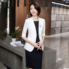 That's really out of sight! Thin Waist, Womens Dress Suits, Spandex Dress, Office Ladies, Business Suits, Half Sleeves, Coats For Women, Work Wear, Blazer