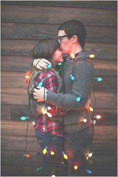 Looking for the perfect Xmas card photo idea? Here you go. #couples #mobileapps #happilyeverafter