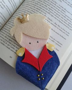 Maecador pagina Felt Crafts Diy, Felt Diy, Crafts For Kids, Little Prince Party, The Little Prince, Diy Bookmarks, Crochet Bookmarks, Felt Bookmark, Book Markers