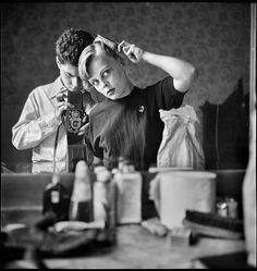 Elliott ERWITT :: Paris, 1952 more [+] by Erwitt