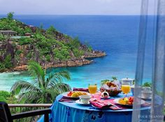 I could do breakfast here. Always!!