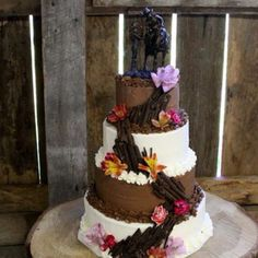 I would love to have this for a wedding cake love it. So me.