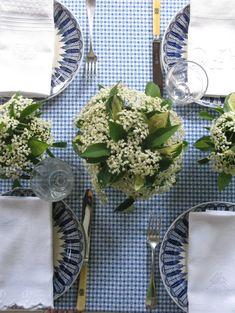 Blue & white #tablescape #blue
