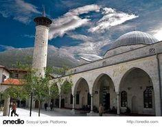 Habibi Neccar Camii - Habibi Neccar Camii, Roma döneminde Pagan Tapınağı olarak kullanılıyormuş. Bizans döneminde kiliseye dönüştürülmüş. İslamiyet'in Anadolu'ya girmesi ile de Anadolu'daki ilk cami olarak kullanılmaya başlanmış. Tabi öncesinde, İslami mimariye uygun bir şekilde düzenlenmiş.