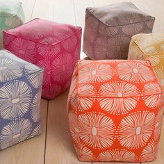 Add a splash of additional seating to your with this floral pouf designed by KD Spain. Made from 100-percent cotton, this contemporary pouf is suitable for various room designs. The product is square,