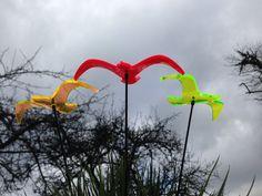 """Lichtzauber-Vögel """"Wing""""  (orange, rot und grün)  - Sonnenfänger  www.elliot.de"""
