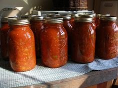 Thy Hand Hath Provided - a Mennonite mom's step by step instructions, with lots of pictures, on how they preserve food.