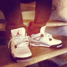 Air Jordan cement 4s