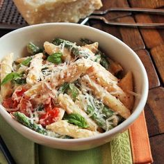Pasta, asparagus, tomatoes...sounds yummy