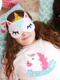No-Sew DIY Unicorn Sleeping Masks with Free Template - learn to craft these cute, easy party favors or gifts for your guests unicorn birthday party! Spa Birthday Parties, Sleepover Party, Spa Party, Diy Birthday, Birthday Gifts, Slumber Parties, Unicorn Diys, Unicorn Mask, Unicorn Crafts
