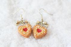 boucles d'oreilles biscuit coeur à la fraise  par ninadelice