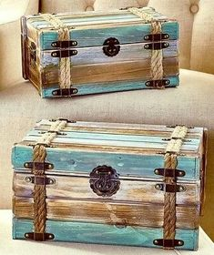 Recycled Pallets Ideas Sets of 2 Wood Pallet Trunks Used Pallets, Recycled Pallets, Wooden Pallets, 1001 Pallets, Pallet Wood, Easy Woodworking Projects, Diy Pallet Projects, Pallet Ideas, Woodworking Plans