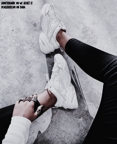 Fashion, sneakers, and shoes image. Sock Shoes, Cute Shoes, Me Too Shoes, Sneakers Fashion, Shoes Sneakers, Nike Wmns, Sneaker Outfits, Nike Outfits, Shoe Image