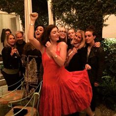 Katy Perry fait le party avec les amies de Taylor Swift | HollywoodPQ.com
