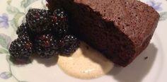 Gluten og laktosefri chokoladekage Fodmap, Paleo, Happy Foods, Tasty, Drinks, Healthy, Desserts, Drinking, Beverages