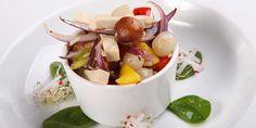 Upečeno do 4 minut! Mugcake - zdravě a s proteiny Fruit Salad, Scrubs, Protein, Self, Fruit Salads, Work Wear, Body Scrubs