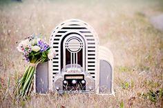 17 of the best wedding songs - indie version Wedding Notes, Wedding Pins, Wedding Advice, Wedding Trends, Wedding Details, Our Wedding, Dream Wedding, Wedding Ceremony, Wedding Ideas
