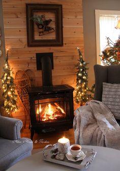 Aiken House & Gardens: Warm & Cozy Fireside Tea