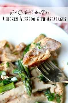 This chicken Alfredo recipe is packed with flavor! Just 4.6 net carbs per serving. SO yummy! From Lowcarb-ology.com