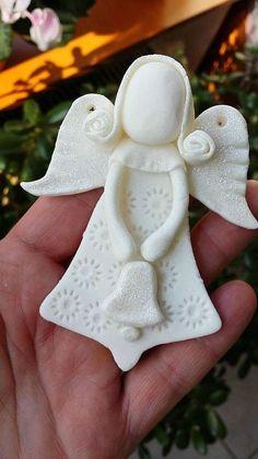 Clay Christmas Decorations, Polymer Clay Christmas, Diy Christmas Ornaments, Christmas Angels, Holiday Crafts, Christmas Presents, Polymer Clay Ornaments, Dough Ornaments, Polymer Clay Projects