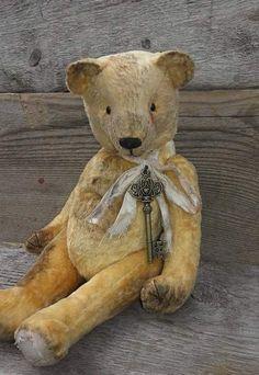 old bear..... By Anna Rudenko - Bear Pile